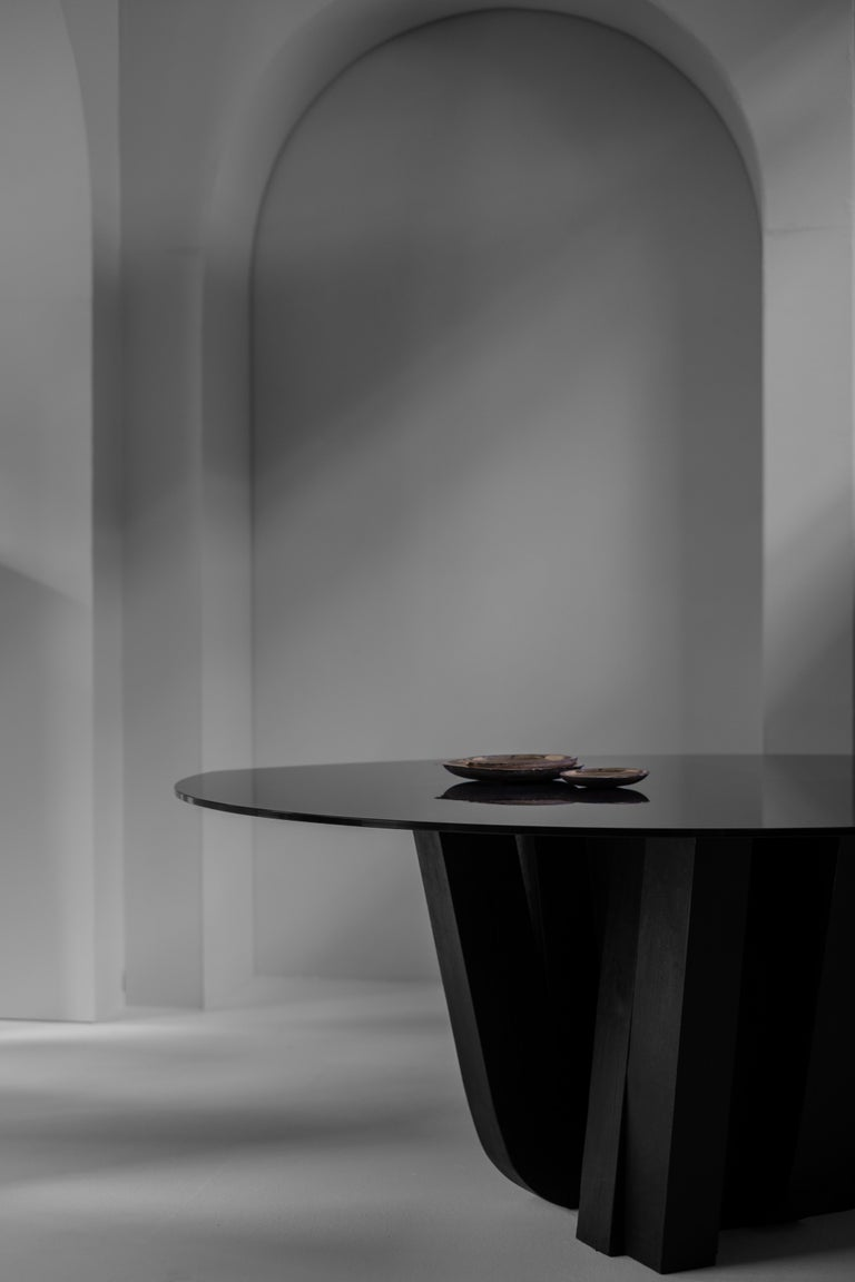 A-typical round table - signed by Arno Declercq  Measures:  Top: L 160 cm x W 140 cm x H 1.2 cm L 63