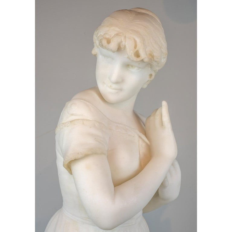 White Marble Sculpture Statue of a Maiden by Cesare Lapini In Good Condition For Sale In New York, NY
