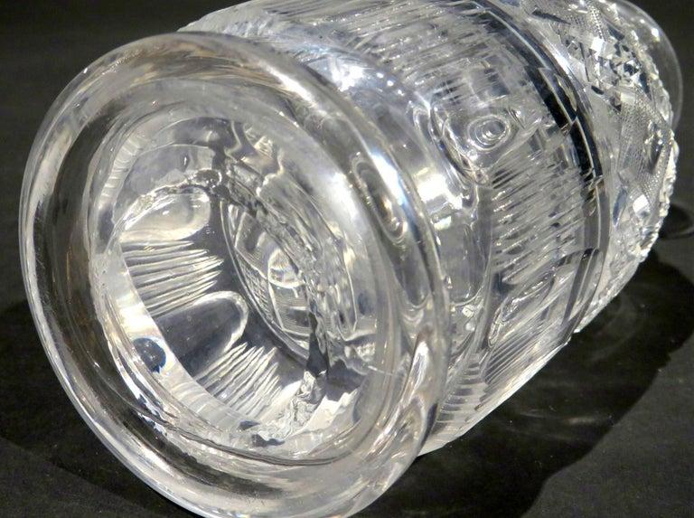 A Very Good Pair of Georgian Anglo-Irish Glass Spirit Decanters, UK Circa 1820 For Sale 1