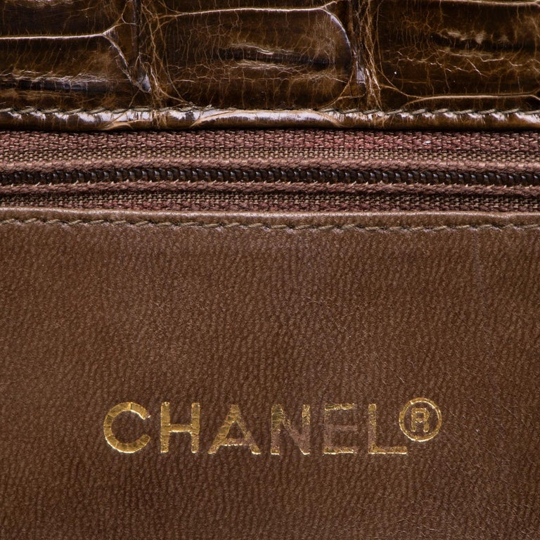 A Very Rare Chanel Chocolate Brown Alligator Shoulder Bag by Karl Lagerfeld In Excellent Condition For Sale In London, GB