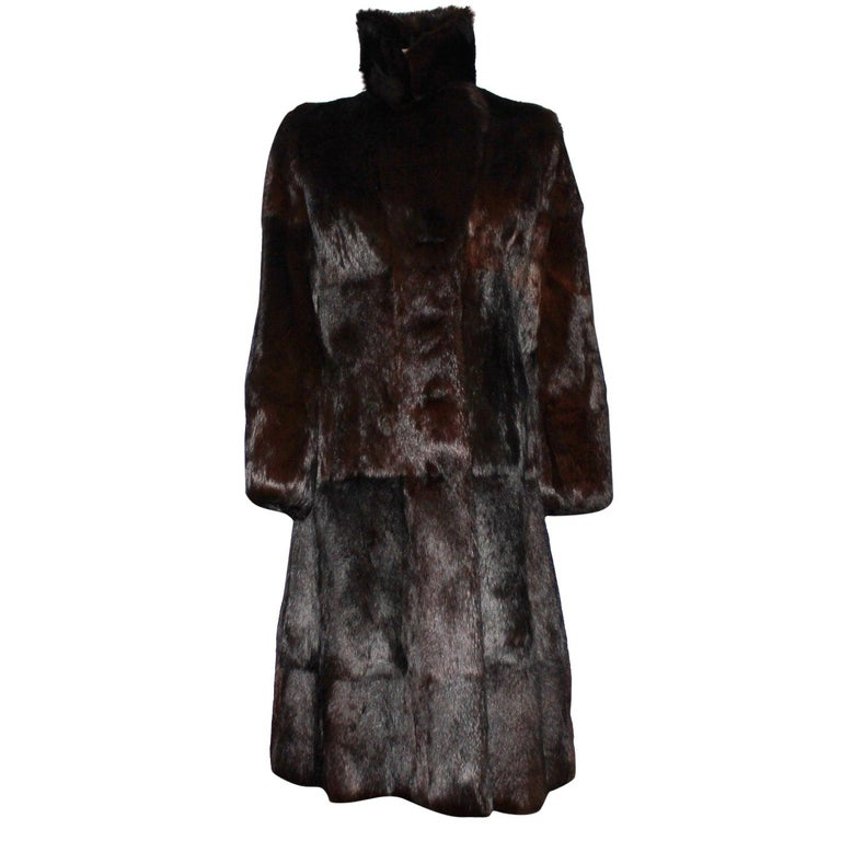 A very rare Gucci by Tom Ford Fall 2004 Eggplant Fur Coat Final Collection Gucci For Sale