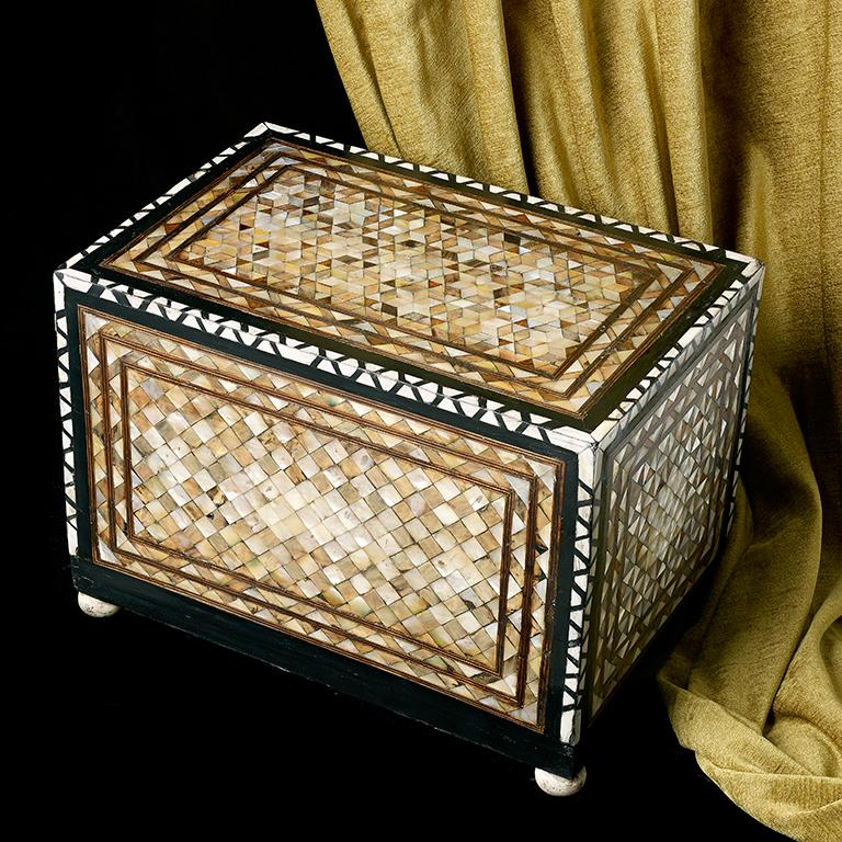 Unknown Very Rare Ottoman Table Box, circa 1600 For Sale
