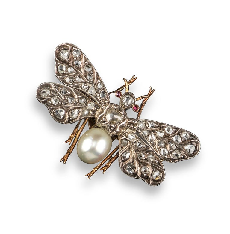 Victorian Diamond and Pearl Insect Brooch In Excellent Condition For Sale In Firenze, IT