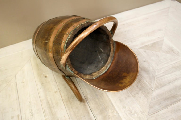 English Victorian Oak and Brass Bound Pail or Scuttle For Sale