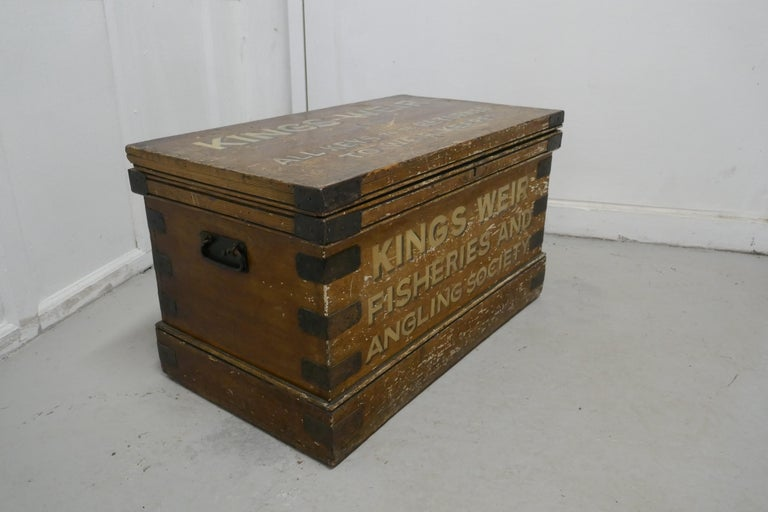 Victorian Pine Newham and Son's Fishermans Chest In Good Condition For Sale In Chillerton, Isle of Wight