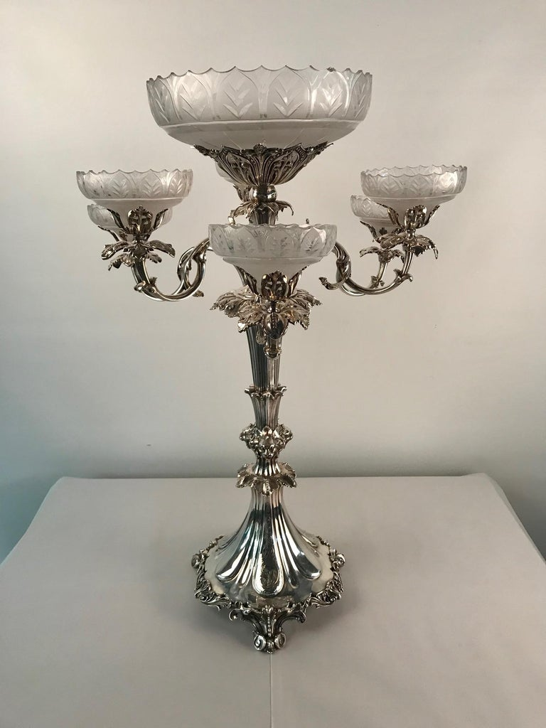 Victorian Silvered Bronze Centrepiece/ Epergne In Good Condition For Sale In Montreal, QC