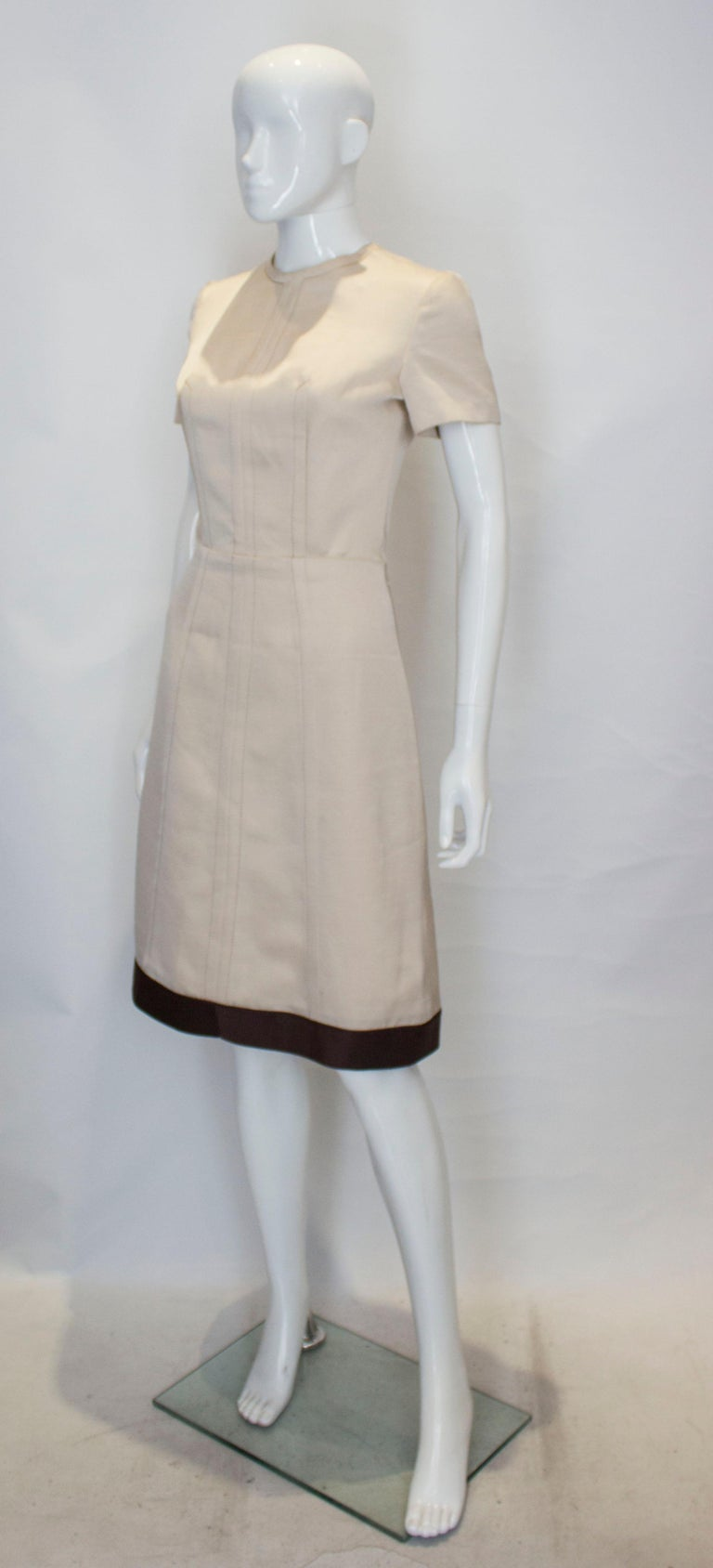 Beige A vintage 1950s - 1960s cream fitted raw silk dress small For Sale