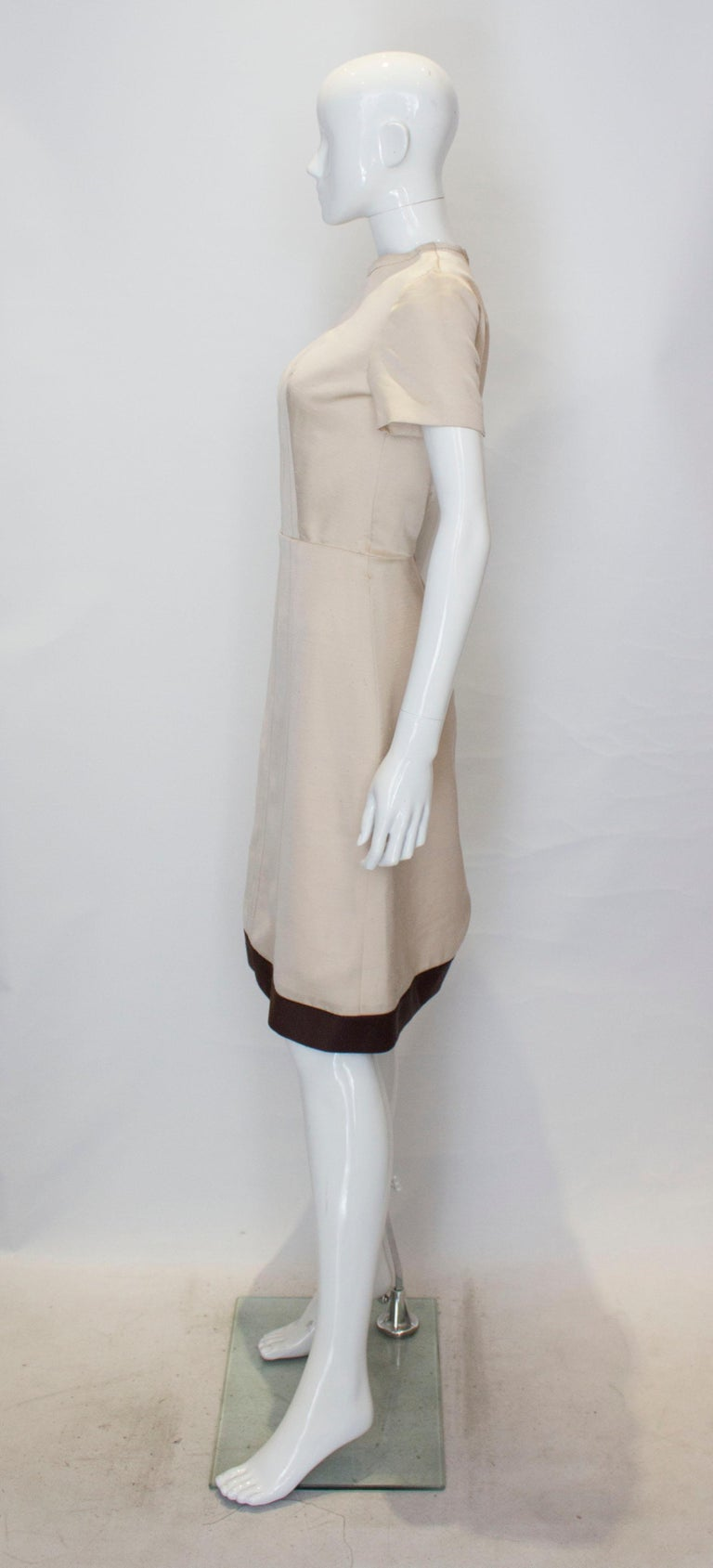 Women's A vintage 1950s - 1960s cream fitted raw silk dress small For Sale