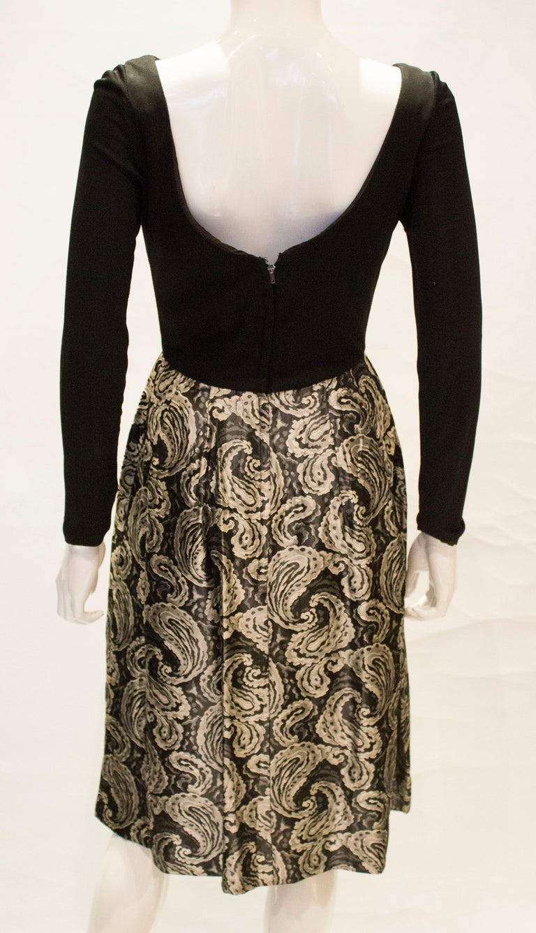 A vintage 1950s silver and black brocade party low back paisley dress small 3