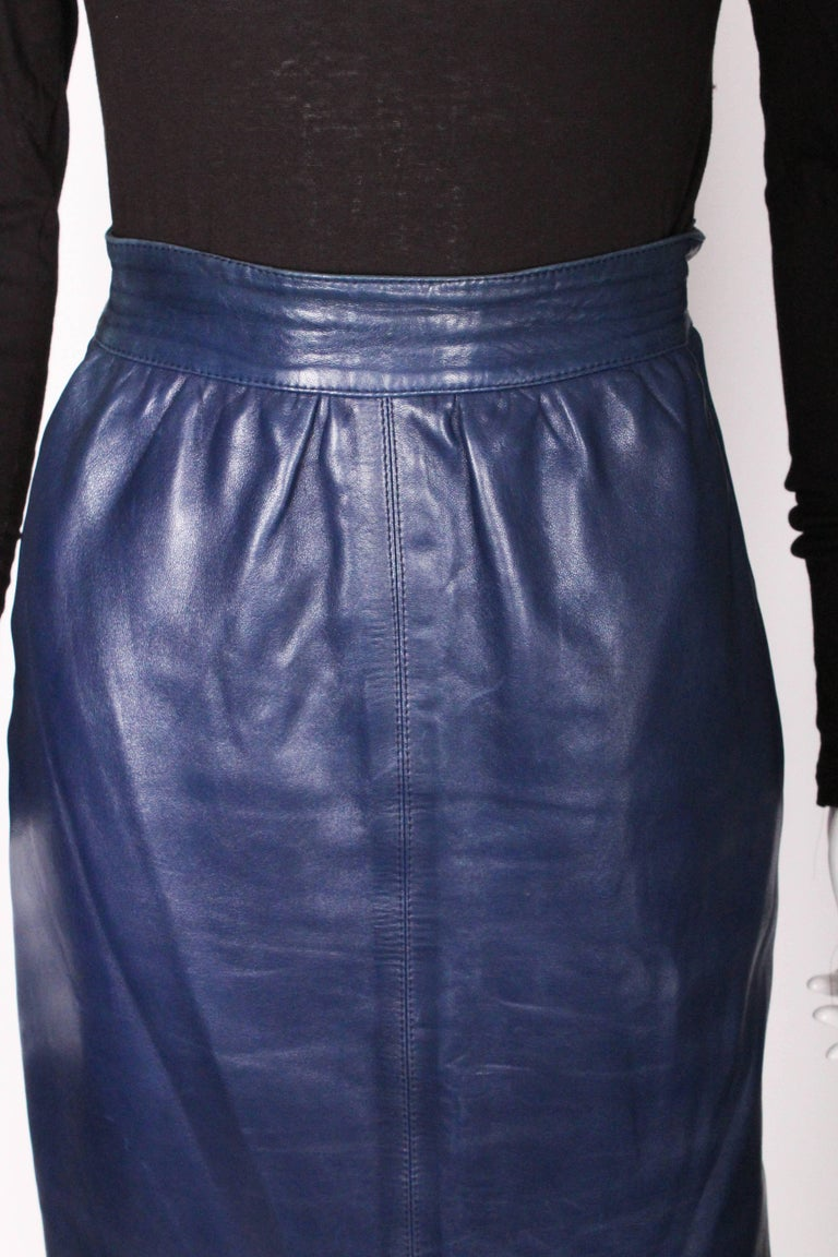 A vintage 1980s Blue Leather Skirt by Yves Saint Laurent Rive Gauche For Sale 4