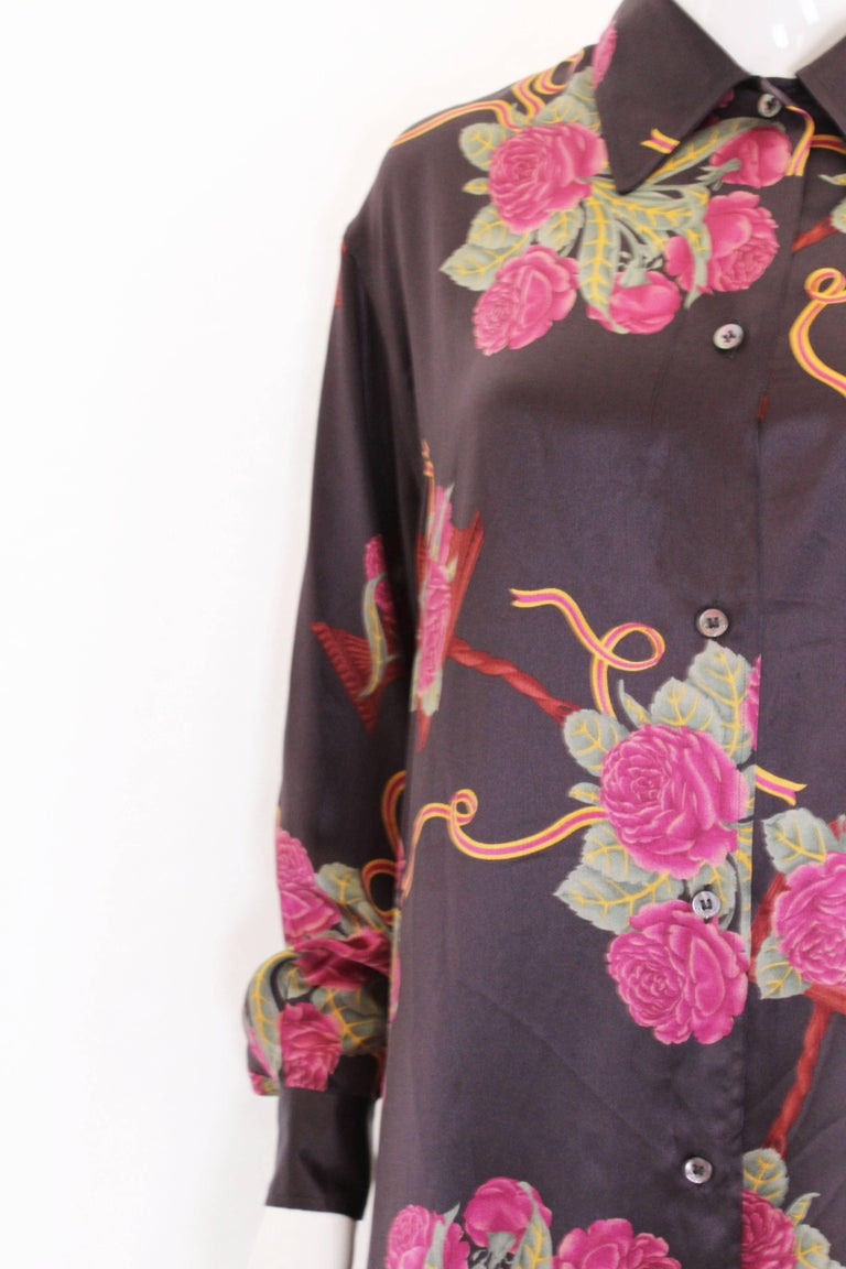 A vintage 1980s Silk floral printed Overshirt by Salvatore Ferragamo For Sale 1