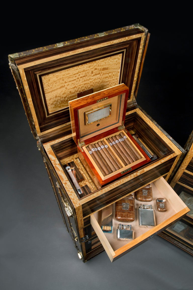 Art Deco Vintage Louis Vuitton Double 'Malle Armoire' Cocktail Bar and Humidor, 1920s For Sale