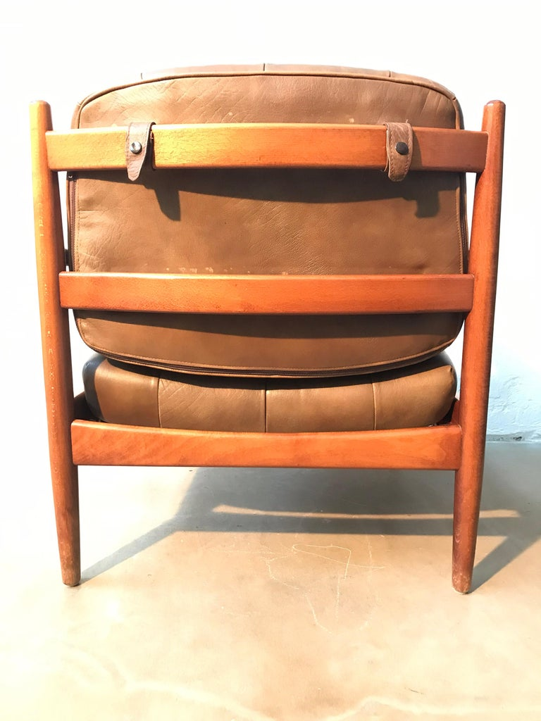 Vintage Pair of Ingemar Thillmark Lounge Chairs in Leather and Beech Wood For Sale 3