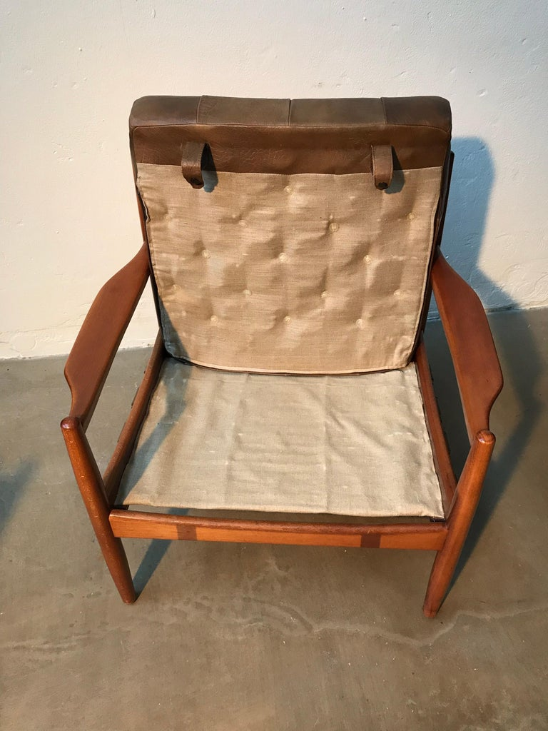 Vintage Pair of Ingemar Thillmark Lounge Chairs in Leather and Beech Wood For Sale 8