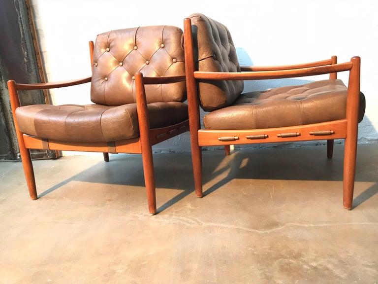 Vintage Pair of Ingemar Thillmark Lounge Chairs in Leather and Beech Wood For Sale 10