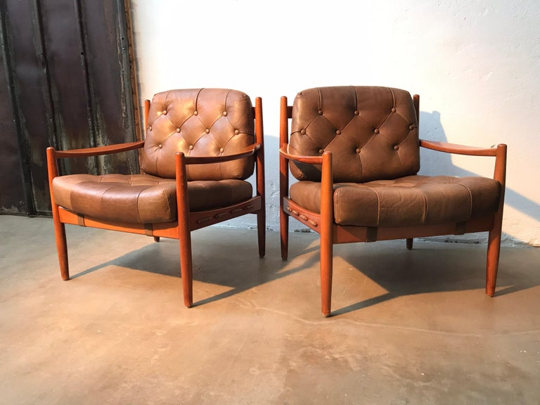 Mid-Century Modern Vintage Pair of Ingemar Thillmark Lounge Chairs in Leather and Beech Wood For Sale