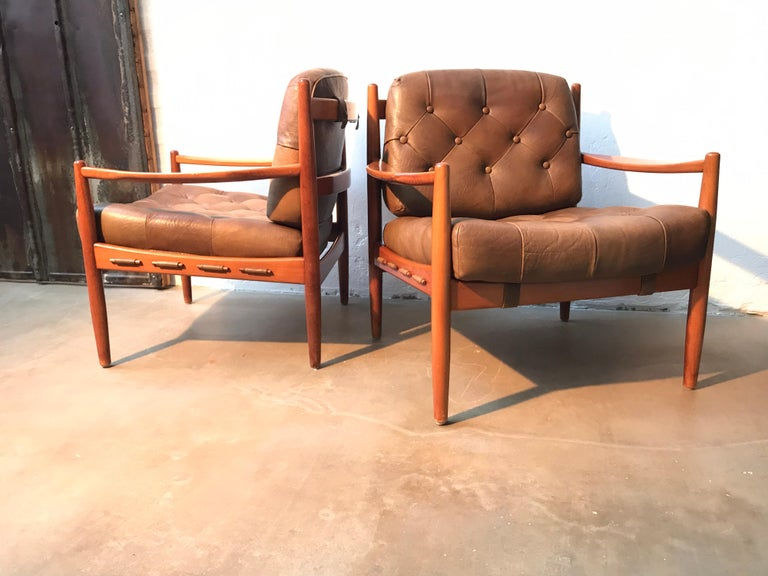 Swedish Vintage Pair of Ingemar Thillmark Lounge Chairs in Leather and Beech Wood For Sale