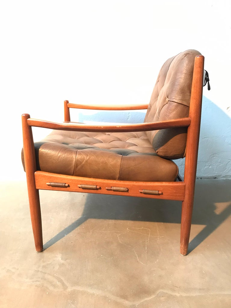 Vintage Pair of Ingemar Thillmark Lounge Chairs in Leather and Beech Wood For Sale 2
