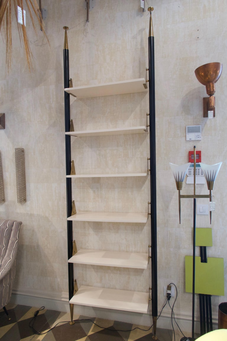 Mid-Century Modern White Lacquered Wood, Brass and Metal Midcentury Shelve, Italy, 1950 For Sale