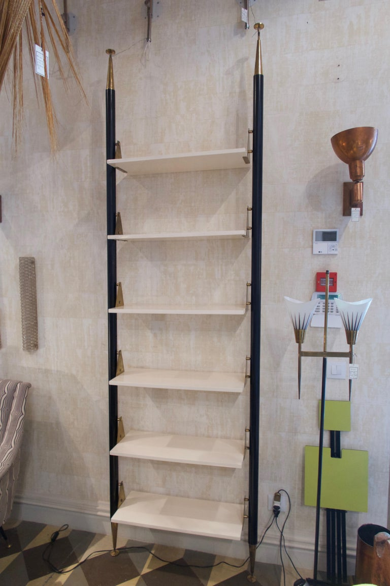 Mid-20th Century White Lacquered Wood, Brass and Metal Midcentury Shelve, Italy, 1950 For Sale
