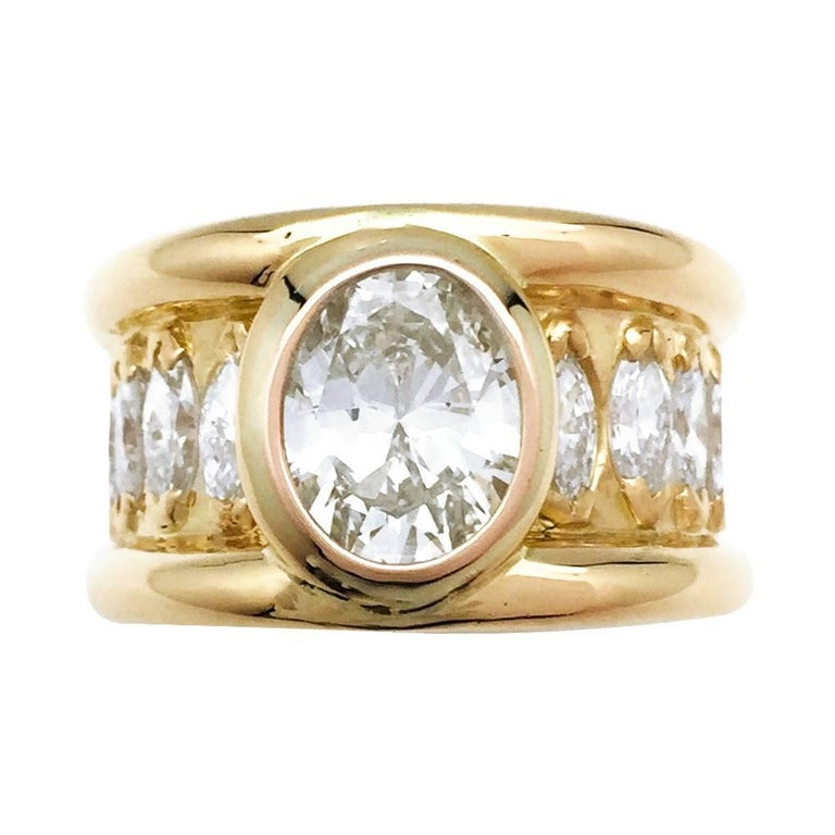René Boivin Oval Diamond Gold Ring For Sale