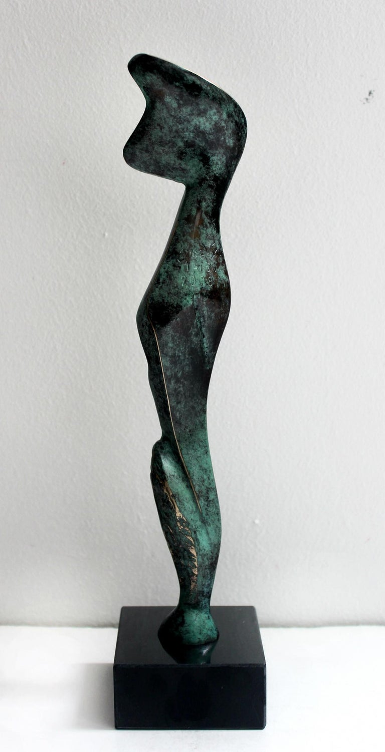 Stan Wysocki, born in 1949 in Elk, is a polish sculptor. The artist studied at the Beaux-Arts academy in Poznan (1978-1980), then at the Hochschule der Künste in Berlin (1981-1986), where he followed the courses of the teacher J.H. Lonas. During his