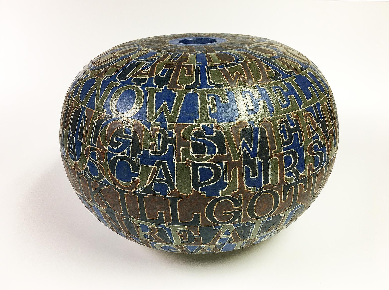 Stoneware pot by Bo Kristiansen (1944-1991)