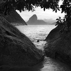 Rio sem cor #21, Geometria Carioca series, Rio de Janeiro, Brazil, 2018
