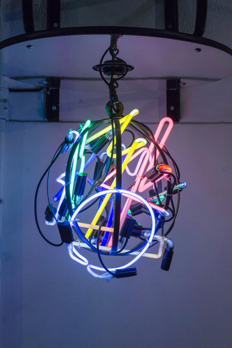 Ale Jordão Still-Life Sculpture - Pushing Ball, Neon Globe