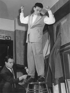Frank Sinatra at the tailor shop, 1940's