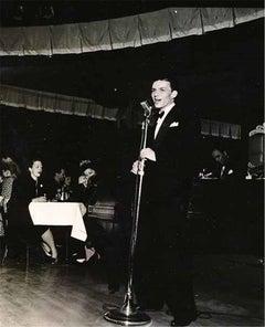 Frank Sinatra, Nightclub, 1943