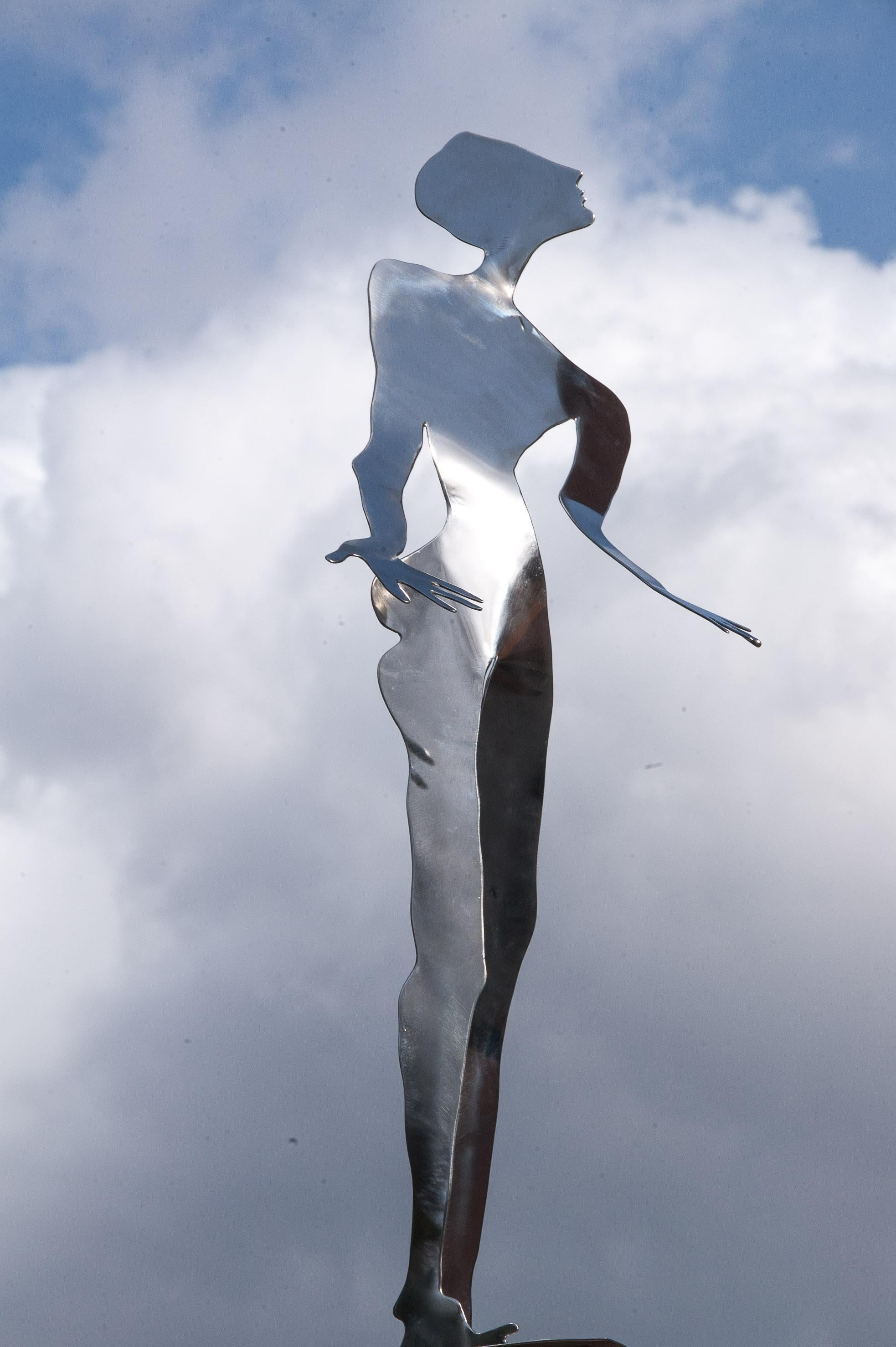 Standing Man, Indoors or Outdoors Figurative Mirror Stainless Steel sculpture