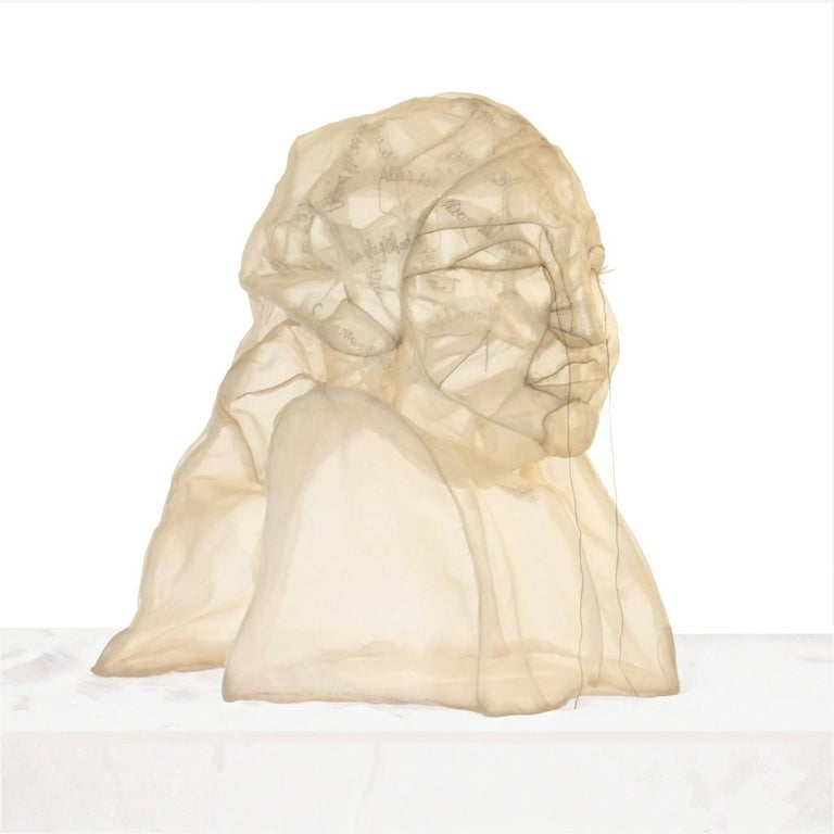 Sheila Furlan Figurative Sculpture - Krieg, Gedanken tränen, sculpture, modern, 21st century, Transparent cloth