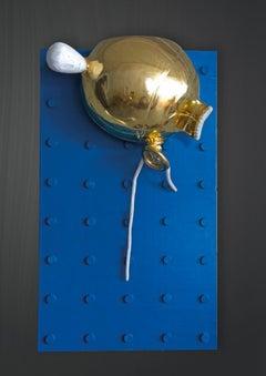 Flieg´weg , 21st century, modern, gold, balloon, wood