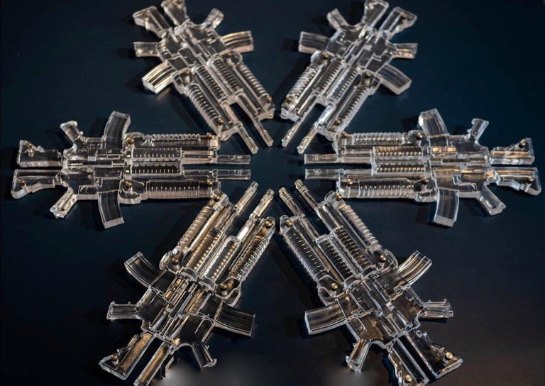 Snowflake 3 Limited edition of 8 Glass sculpture by Huang Yulong For Sale 1