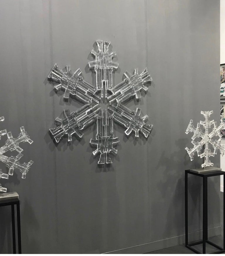 Snowflake 3 Limited edition of 8 Glass sculpture by Huang Yulong For Sale 3