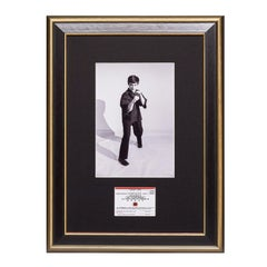 Bruce Lee. A Framed Vintage Jun Fan Gung Fu Card -  On Guard, Full Body