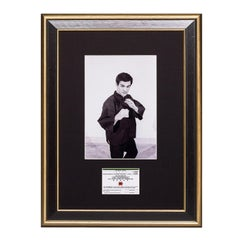 Bruce Lee. A Framed Vintage Jun Fan Gung Fu Card -  On Guard.