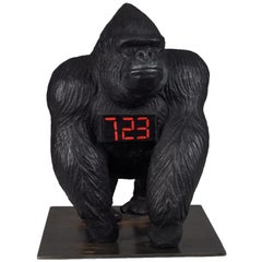 Gorilla Debout Count Down