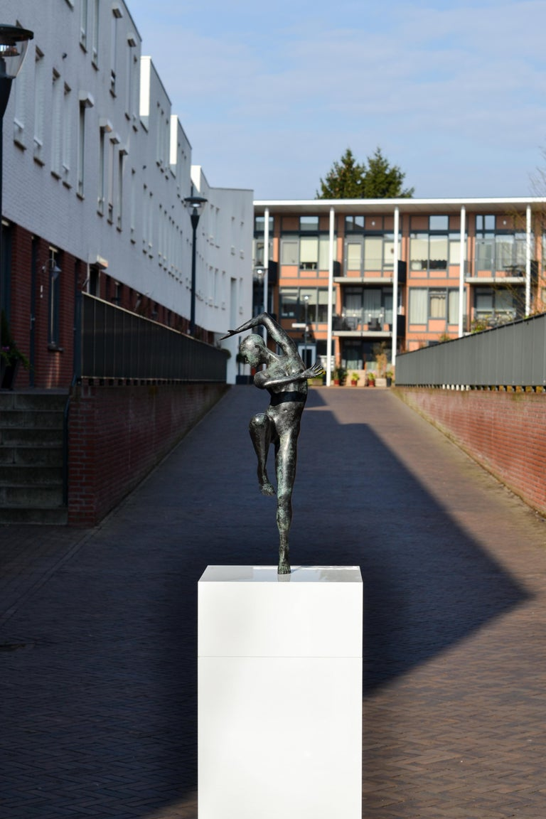 Freedom - Andries Velting 21st Century Contemporary Bronze Sculpture Patina  For Sale 2
