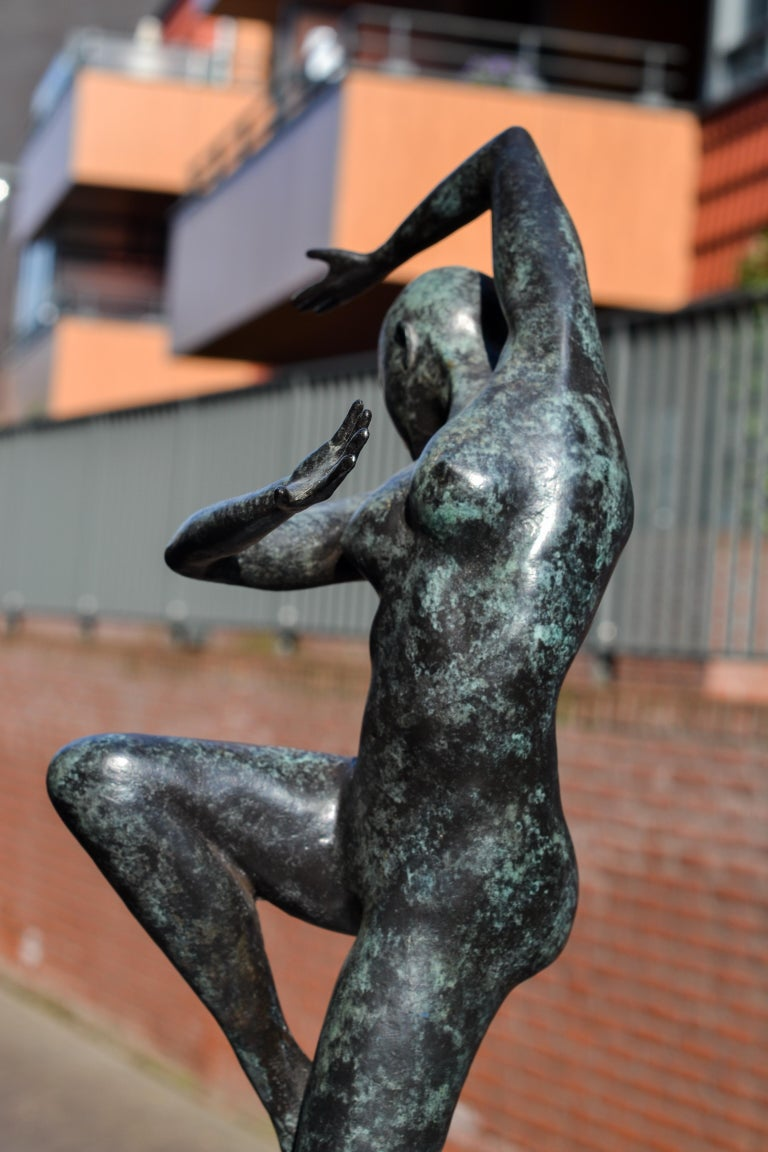 Freedom - Andries Velting 21st Century Contemporary Bronze Sculpture Patina  For Sale 14