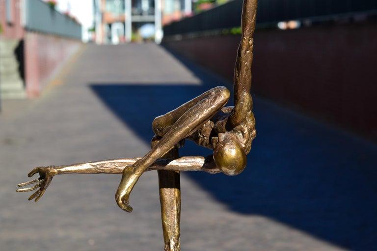 Modern Love - 21st Century Contemporary Bronze Sculpture by Martijn Soontiens 7