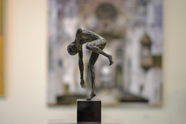 Dancing Free - 21st Century Contemporary Bronze Sculpture by Martijn Soontiens For Sale 1