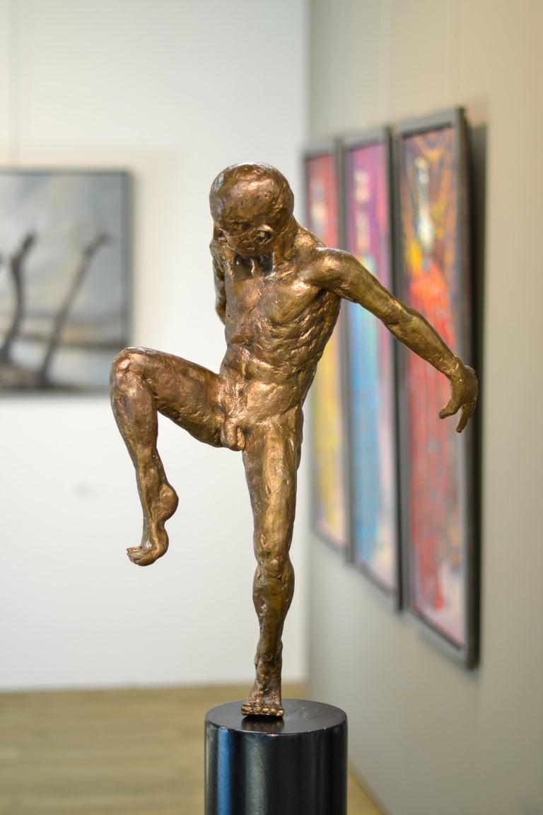 Dancer no. 5 - Martijn Soontiens, 21st Century Contemporary Sculpture of a Man For Sale 2
