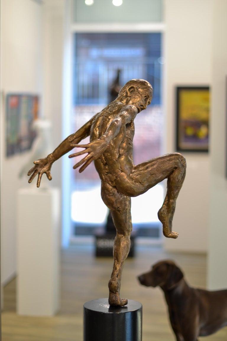 Dancer no. 5 - Martijn Soontiens, 21st Century Contemporary Sculpture of a Man For Sale 4