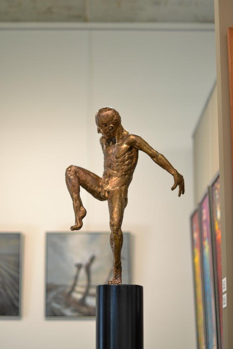 Dancer no. 5 - Martijn Soontiens, 21st Century Contemporary Sculpture of a Man For Sale 1