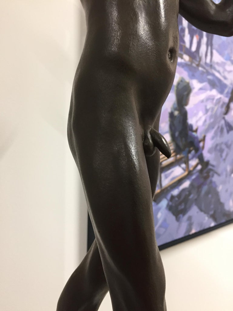 Tollit, 21st Century Contemporary Bronze Sculpture of a nude boy For Sale 4