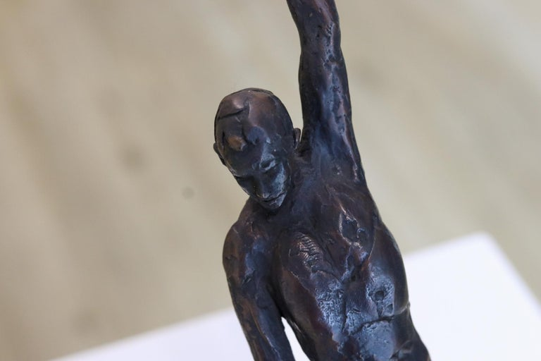 Male Nudity - 21st Century Contemporary Bronze Sculpture of a Nude Man Standing For Sale 1