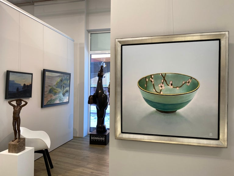 Bowl 1.3 'Patience' - 21st Century Contemporary Painting of a Japanese Bowl - Gray Figurative Painting by Kees Blom