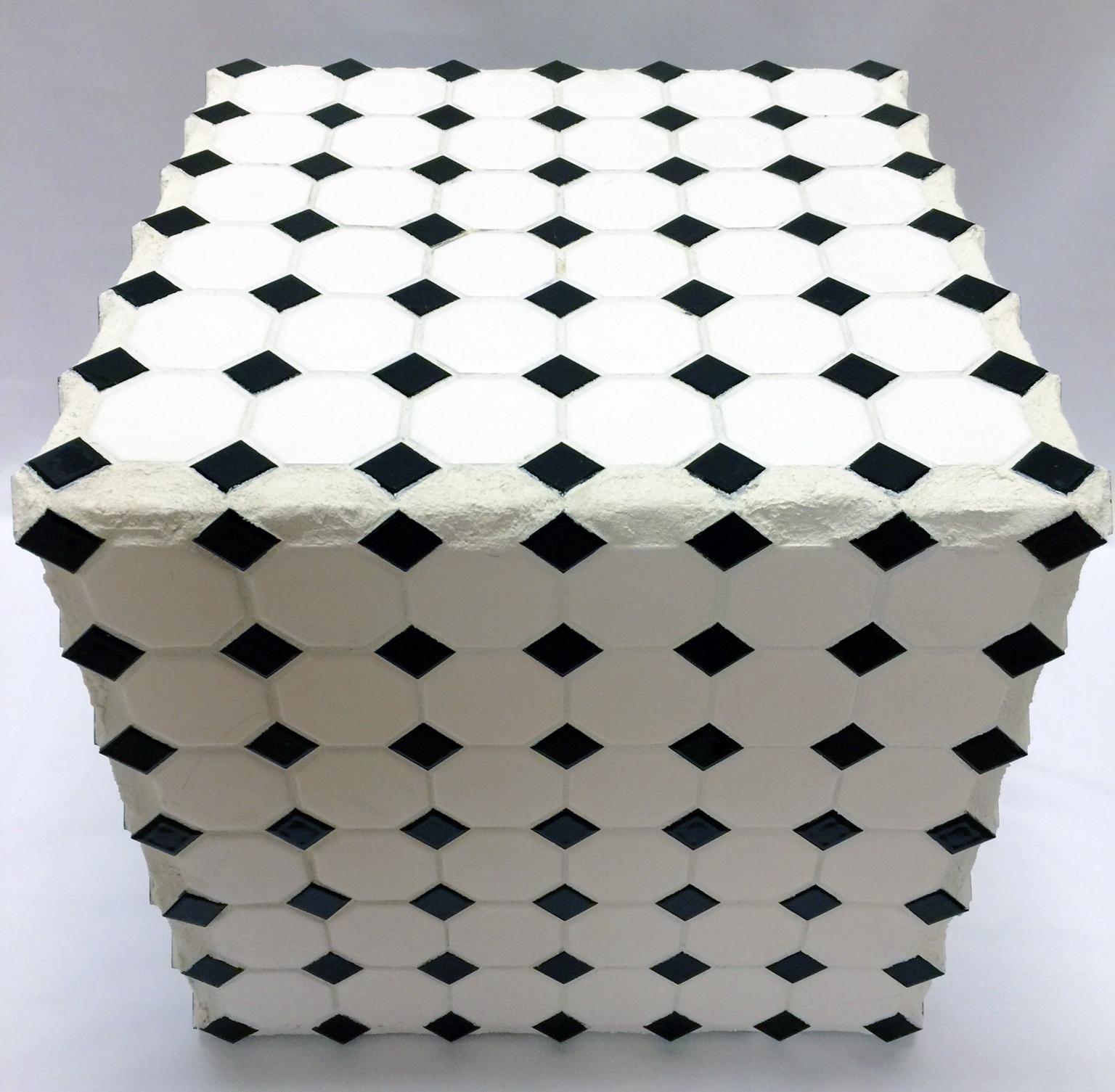 Black and White Diamond (Cube Table)